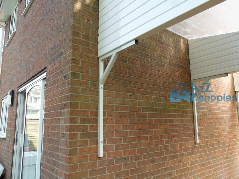 Bungalow Canopy Supporting Bracket